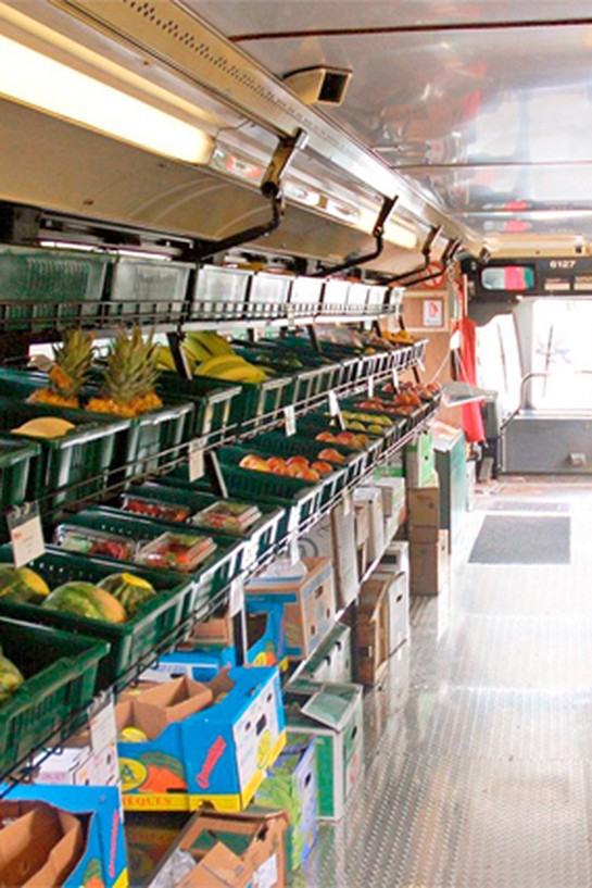 Mobile market bus
