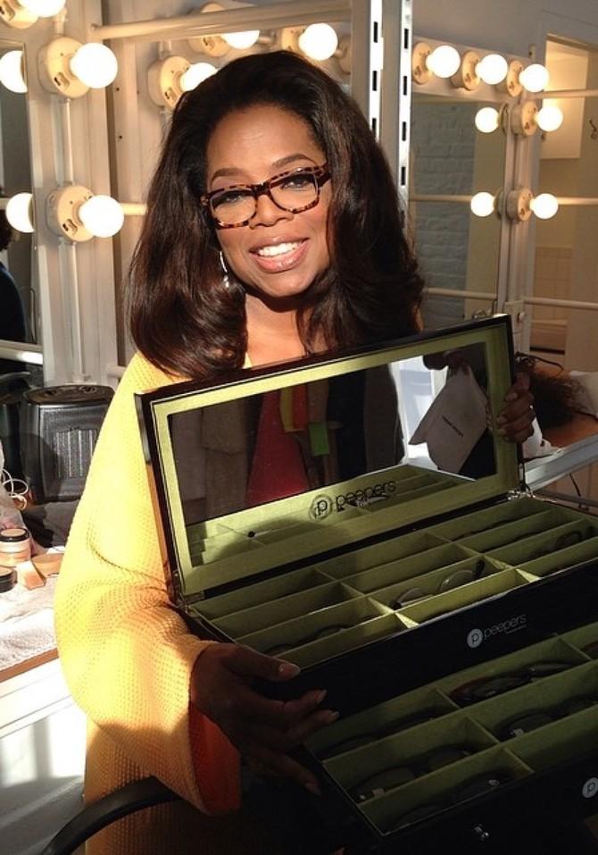 0db1f6145ad Photos of Oprah Wearing Glasses