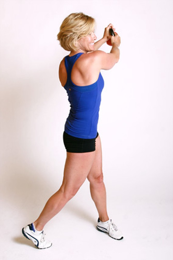 How Kettlebell Swings Can Eliminate Back Pain & Strengthen ... |Kettlebell Waist