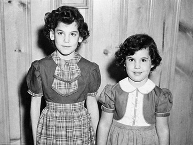 Suzy and Nancy as children