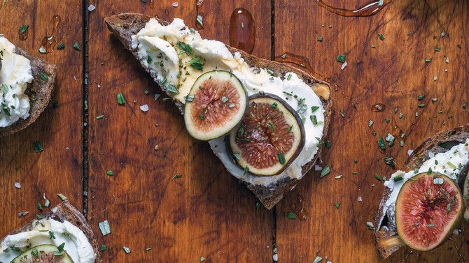 fig and rosemary toast