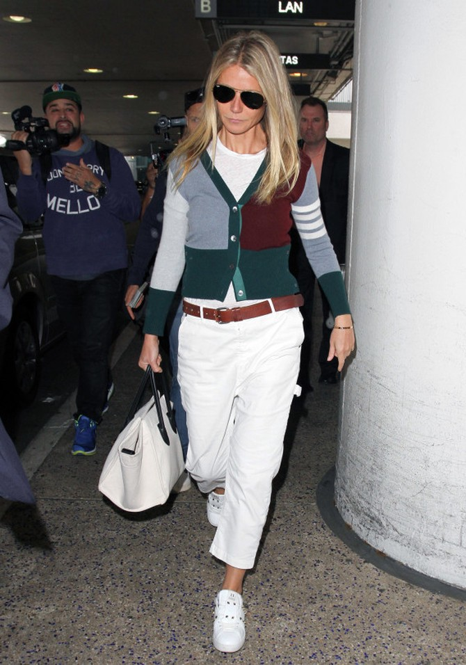 Gwyneth Paltrow at LAX in October 2016