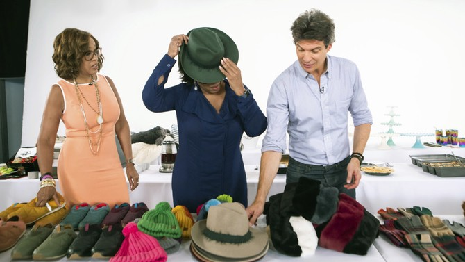 Oprah tries on a fedora from Travaux en Cours