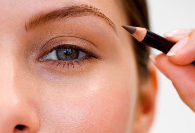 Using an eyebrow pencil