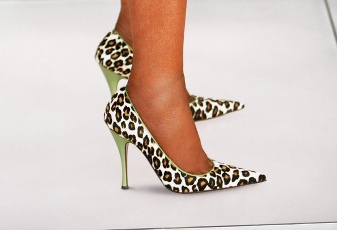 Oprah's leopard print shoes