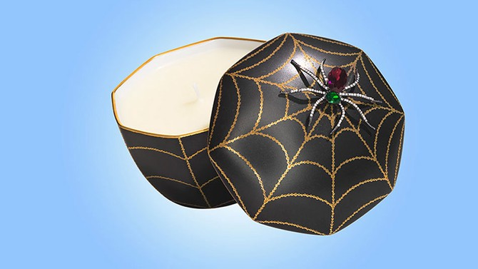 Webbed Scented Candle