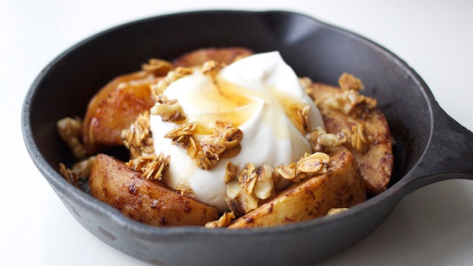 Apple Pie Sundae with Greek Yogurt and Toasted Oats