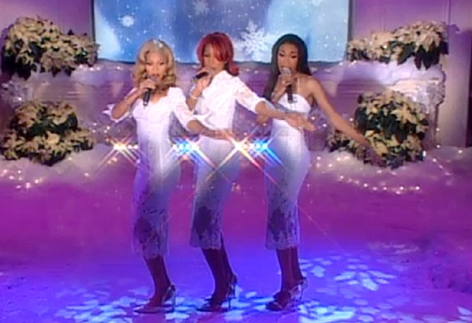 Destiny's Child performs