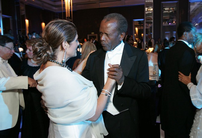 Sidney Poitier with his wife, Joanna Shimkus.