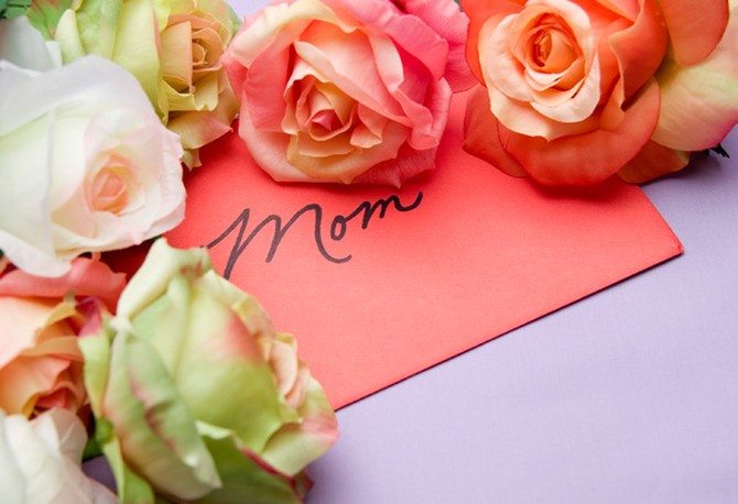 Roses and a card for mom