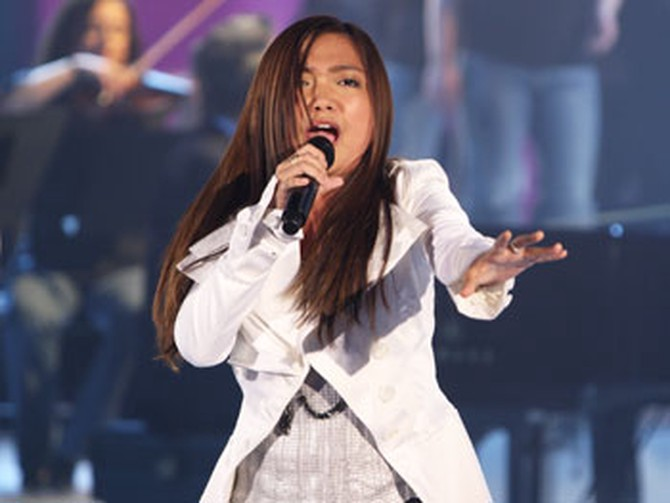 Charice performs Note to God.