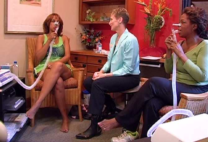 Oprah and Gayle get full fitness assessments.