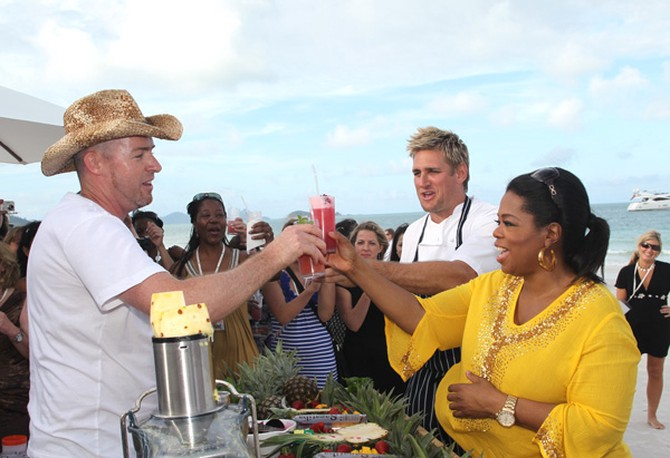 Oprah and Curtis Stone drink Havo-O Cocktails.